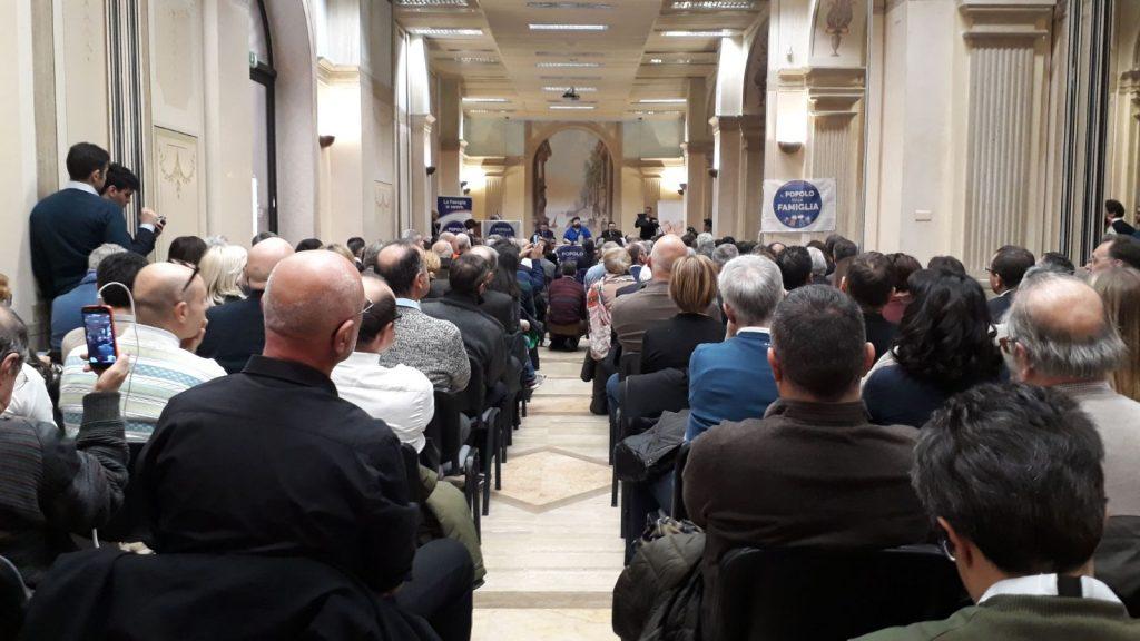 Popolo della Famiglia: Adinolfi sfida Renzi e Berlusconi sui valori - Lo Speciale